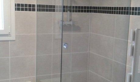 Entreprise spécialisée dans la pose de par-douche L'Arbresle