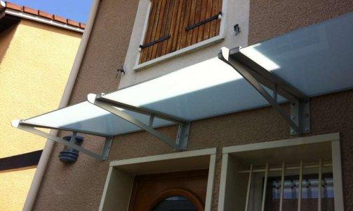 Entreprise de vitrerie spécialisée dans la pose de par-douche à Vaulx-en-Velin